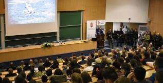 Benkő Tibor honvédelmi miniszter tartott előadást a Miskolci Egyetemen