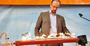 Nagy durranás - fizikát népszerűsítő előadás a Miskolci Egyetemen
