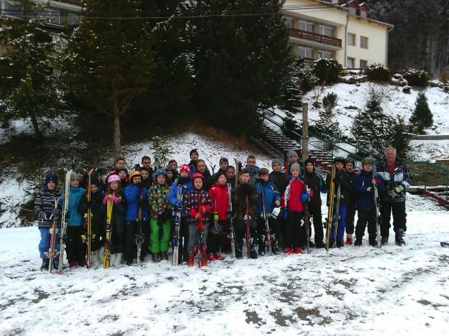 51 vízilabdás gyermeket vitt a MEAFC Tao támogatásból edzőtáborozni