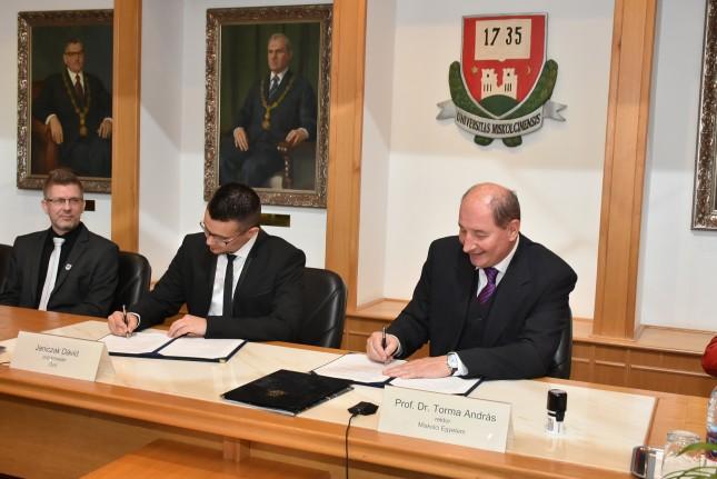 Együttműködési megállapodás született a Miskolci Egyetem és Ózd város között