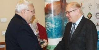 A hazai egyetemi sport legrangosabb elismerését vehette át Prof. Dr. Besenyei Lajos