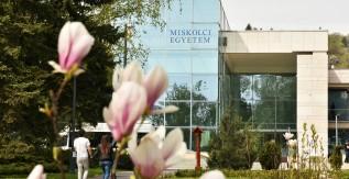 Fiatalodó és megújuló egyetem - Innovatív Tudásváros