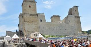 Átadták a megújult Diósgyőri várat
